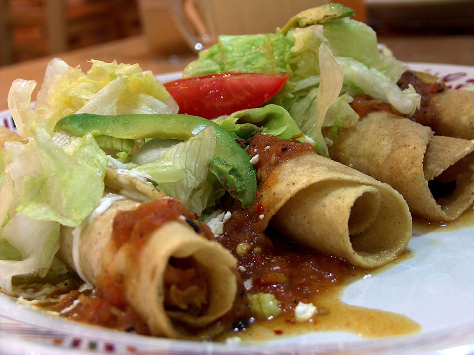 How to Eat Low Calorie at a Mexican Restaurant